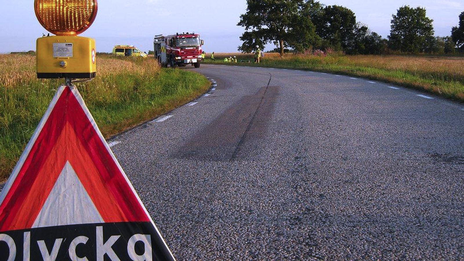 Hur många personer dödas årligen i trafiken i Sverige